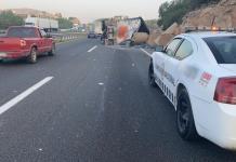 Vuelca tráiler en la carretera Querétaro-SLP