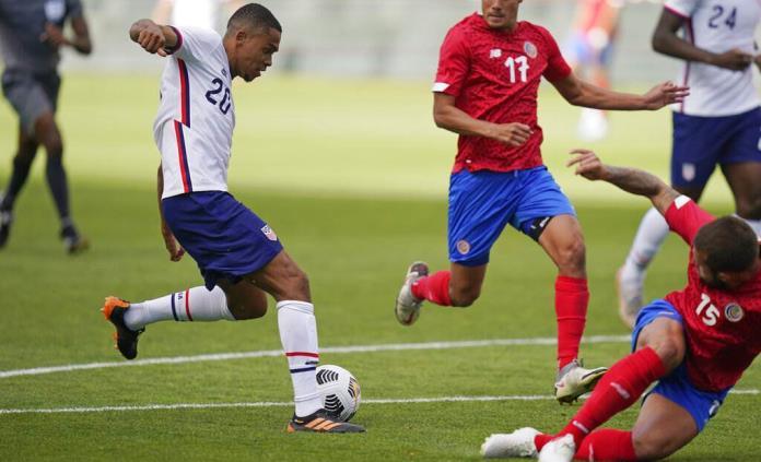 Costa Rica despide al seleccionador tras goleada 4-0 de EEUU
