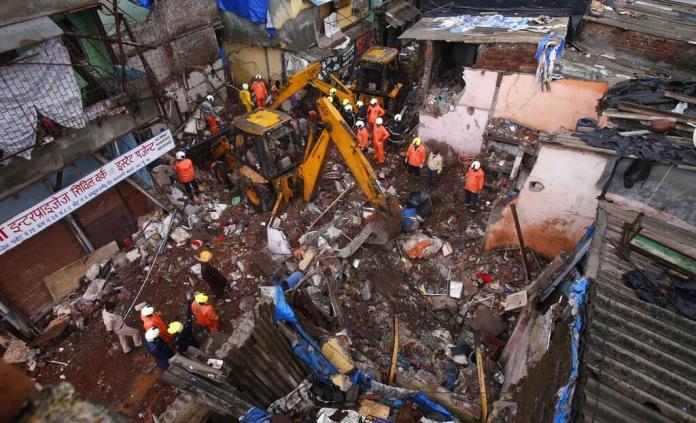 Edificio se derrumba en India; hay 11 muertos y 7 heridos
