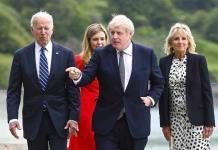 Biden y Johnson ponen acento en estrechar relaciones