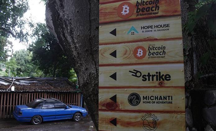 La playa El Zonte, la capital del bitcoin en El Salvador