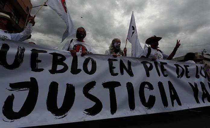 AMLO promete búsqueda de desaparecidos y reparación por Halconazo