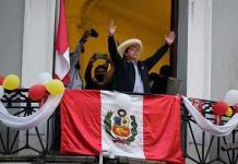 Pedro Castillo lidera la votación con 100% de las actas procesadas en Perú
