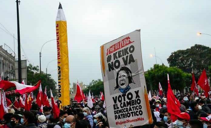 Advierten sobre amenaza de golpe ante maniobra del Jurado Electoral de Perú