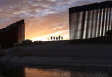 Biden regresará fondos desviados para muro fronterizo