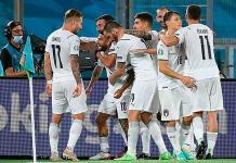 Italia abre la Eurocopa con goleada a Turquía