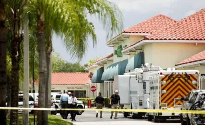 Hombre mata a mujer y niño en super de Florida