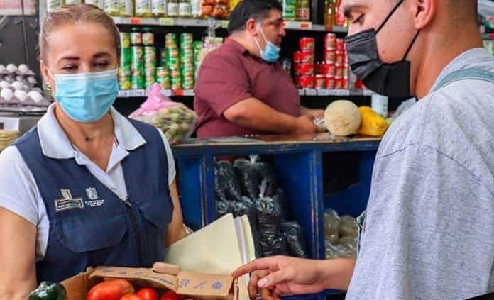 Locatarios donan para programa alimentario