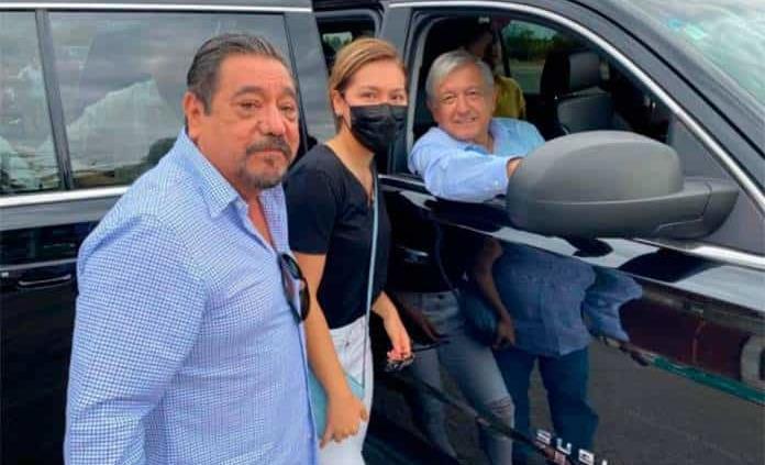Félix Salgado corre para saludar al presidente en Acapulco