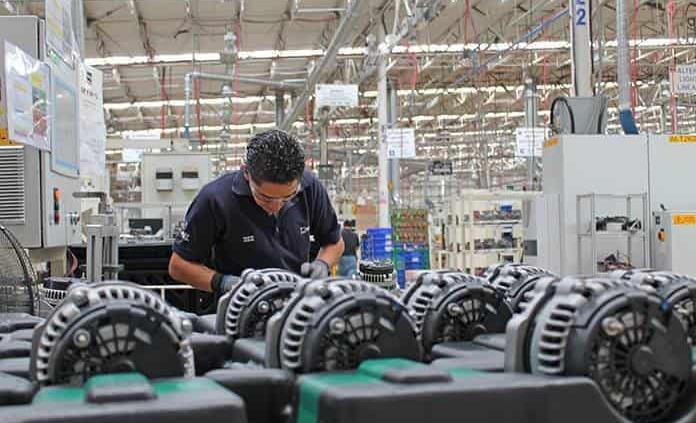 Industria frena su recuperación