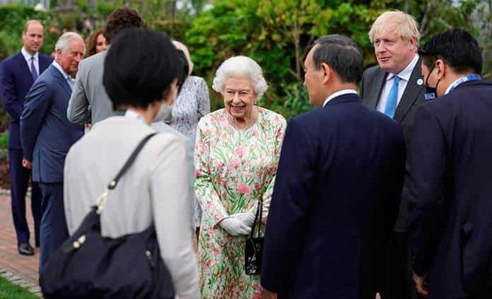 Isabel II ya no callará ante falsedades de la familia real