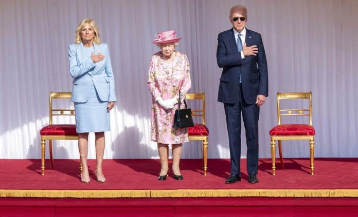 Isabel II recibe con una sonrisa a los Biden, el nuevo aire de la Casa Blanca