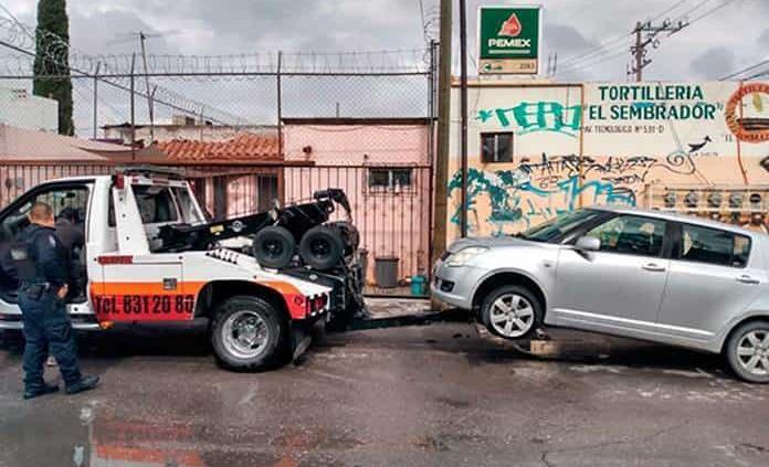 Aseguran en Soledad dos vehículos robados