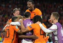 Dumfries se redime y Holanda vence a Ucrania