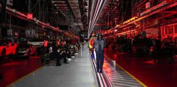 Ferrari suspende línea de producción para desfile de modas