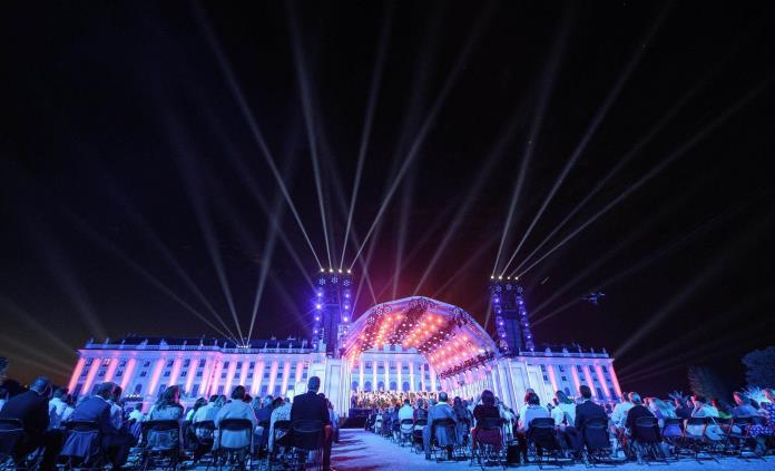 La Filarmónica de Viena escapa al confinamiento con un viaje musical nocturno