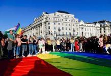 Hungría quiere defender su ley homófoba con todos los recursos legales