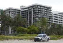 Muchos residentes de edificio gemelo en Miami se quedan