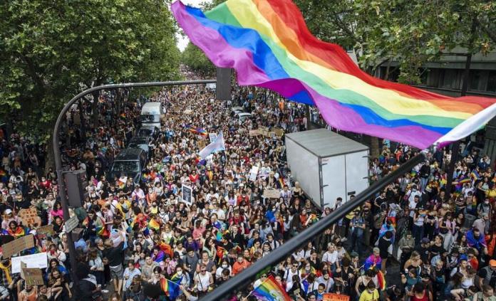Reproducción asistida para solteras y lesbianas en Francia