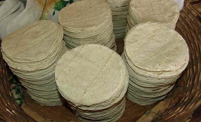 Tortilla, pasta, aceite y pan de caja acumulan alzas de 7 a 13%