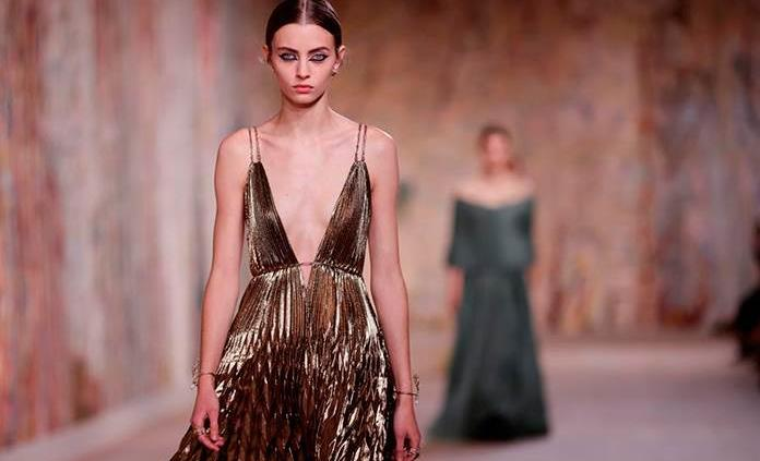 Dior apuesta por el optimismo en su pasarela de Alta Costura