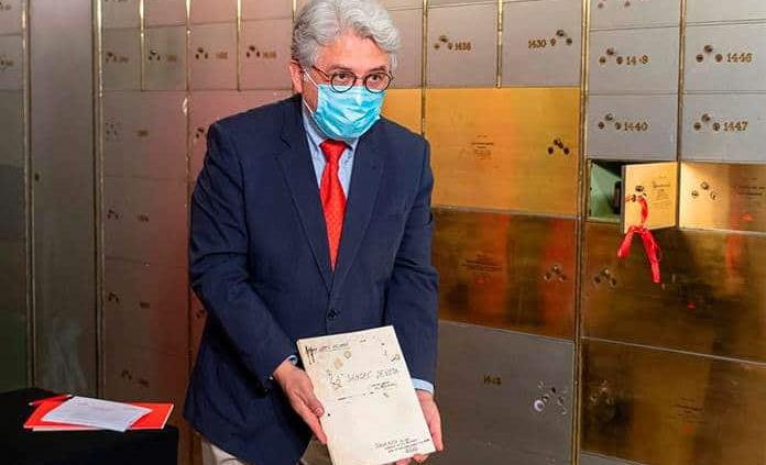 El legado de Ramón López Velarde se guarda ya en la Caja de las Letras del Instituto Cervantes