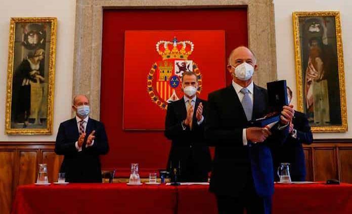 Dan a Enrique Krauze el Premio de Historia Órdenes Españolas