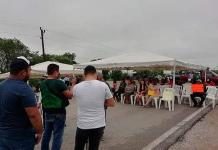 Bloquean habitantes de Cuayalab rúa San Vicente-Tamuín