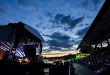 La música está de vuelta en Montreux, pese a la lluvia y las mascarillas