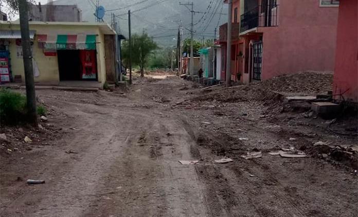 En Las Margaritas reclaman concluir obra de drenaje