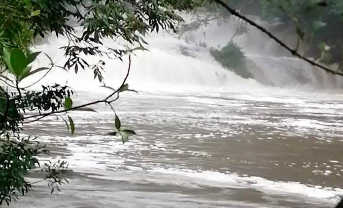 Parajes siguen cerrados para nadar y paseos