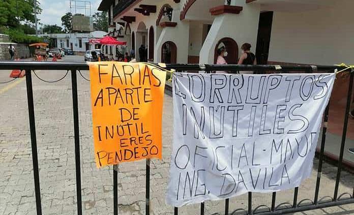 Plantón del FDVP contra el alcalde Jorge Farías