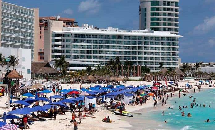 Turismo internacional en México marca repunte del 143.7 % interanual en julio