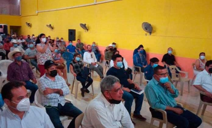 Solicitan apoyo para desazolvar presa San Diego