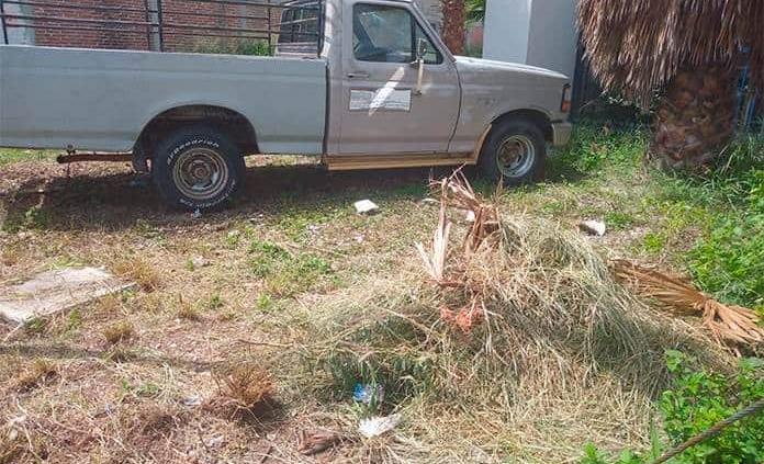Abandonan camioneta de la URSE