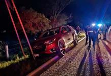 Maleantes roban camioneta a turistas en Valles