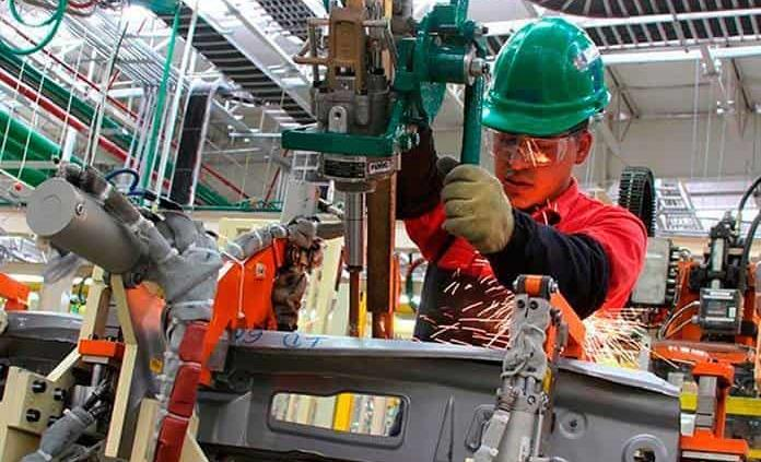 Crece empleo manufacturero
