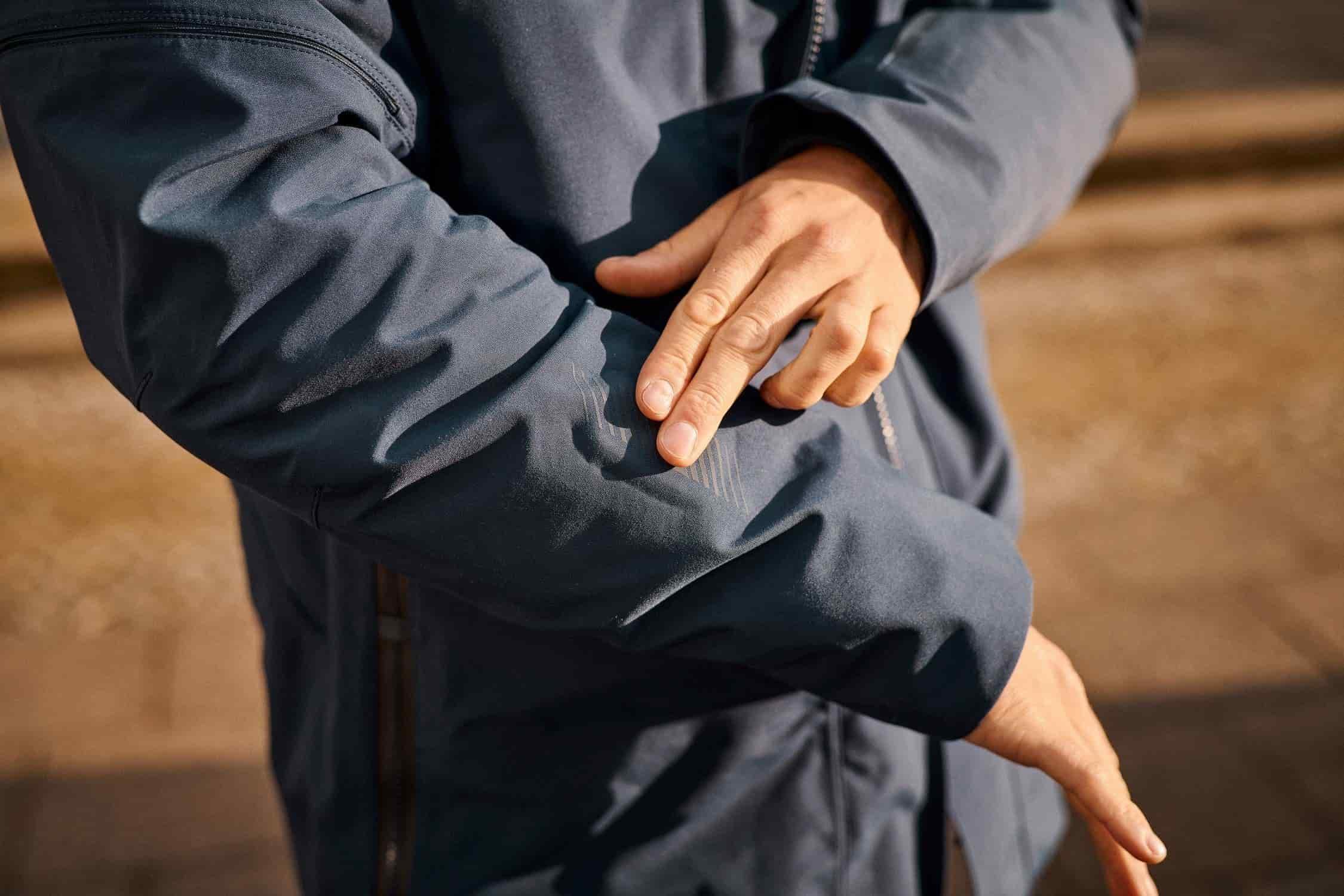 Conectividad para activación desde la chaqueta.