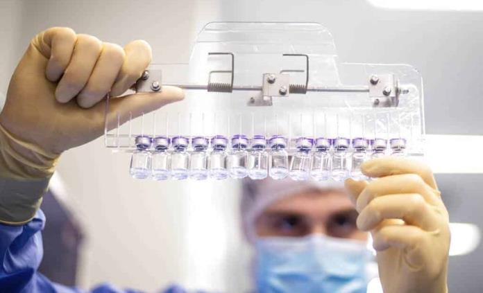 Documentan el primer caso de parálisis facial tras cada dosis de Pfizer