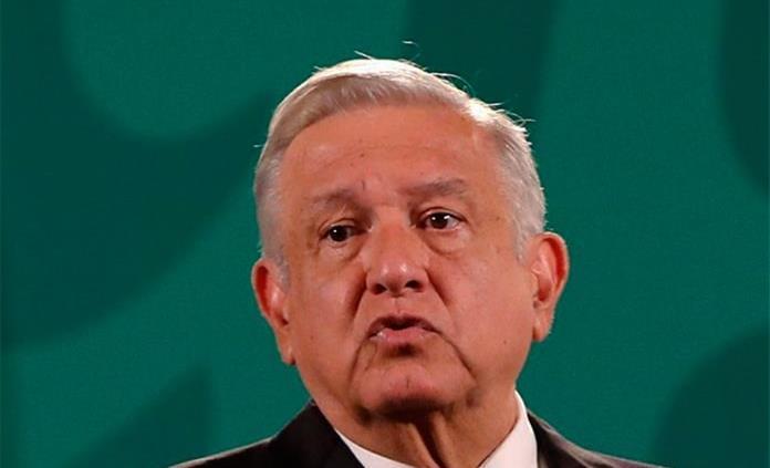 AMLO critica a Calderón por tuits: demasiado apego al poder, mucha ambición, dice