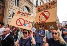 Investigan amenazas de muerte a diputados franceses provacuna