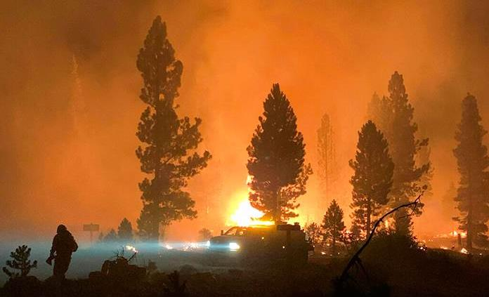 El mayor incendio de EEUU es tan grande que ya genera su propio clima