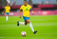 Marta ilumina el comienzo preliminar de los Juegos de Tokio