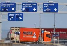 UE busca facilitar el tránsito de bienes de Gran Bretaña a Irlanda; Londres pide cambios significativos