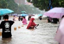 Inéditas lluvias en China dejan al menos 25 muertos entre escenas de terror
