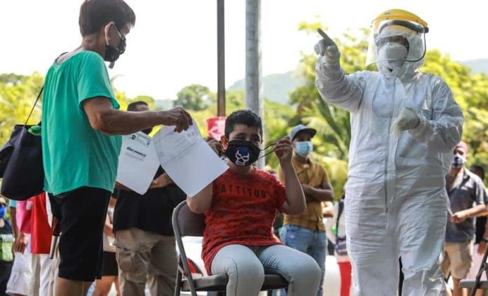 Repunte en Miami, temor en la frontera EEUU-México y otras claves sobre covid