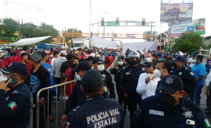 Segego y MULTI acuerdan liberación de carretera en Oaxaca
