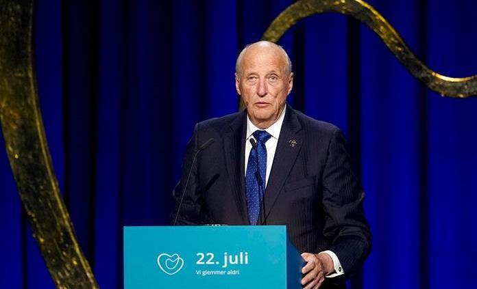 Rey de Noruega lamenta que el país no hiciera lo suficiente tras ataque de Breivik