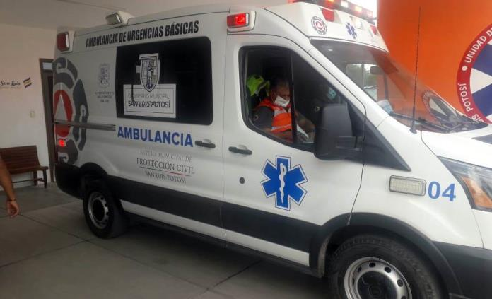 Mujer da a luz a bordo de ambulancia de Pozos