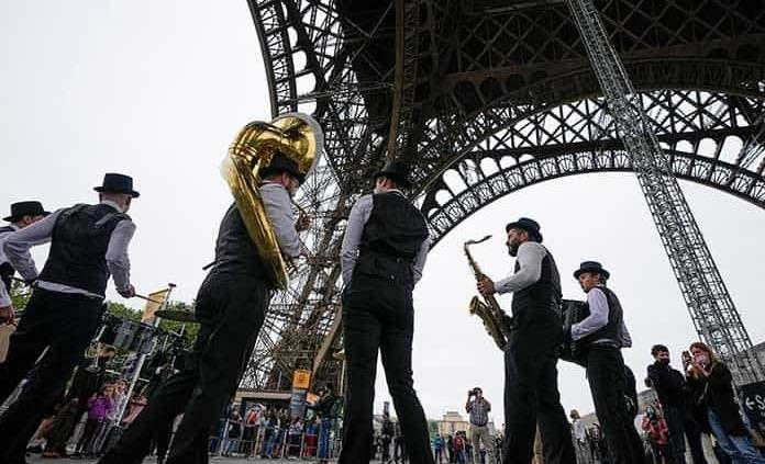 Francia pide pase covid a turistas